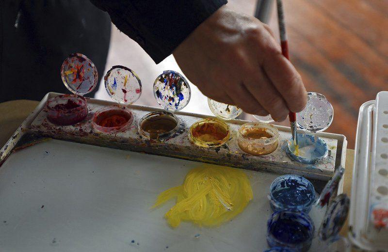 $200K boosts arts center
