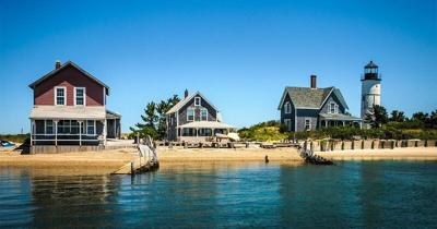 Vacation home sales surge during pandemic