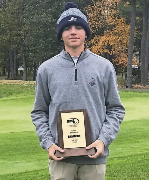 MIAA golf Lavallee, Robbins capture sectional crowns