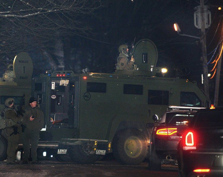 Standoff brings strong police response to Highland Avenue