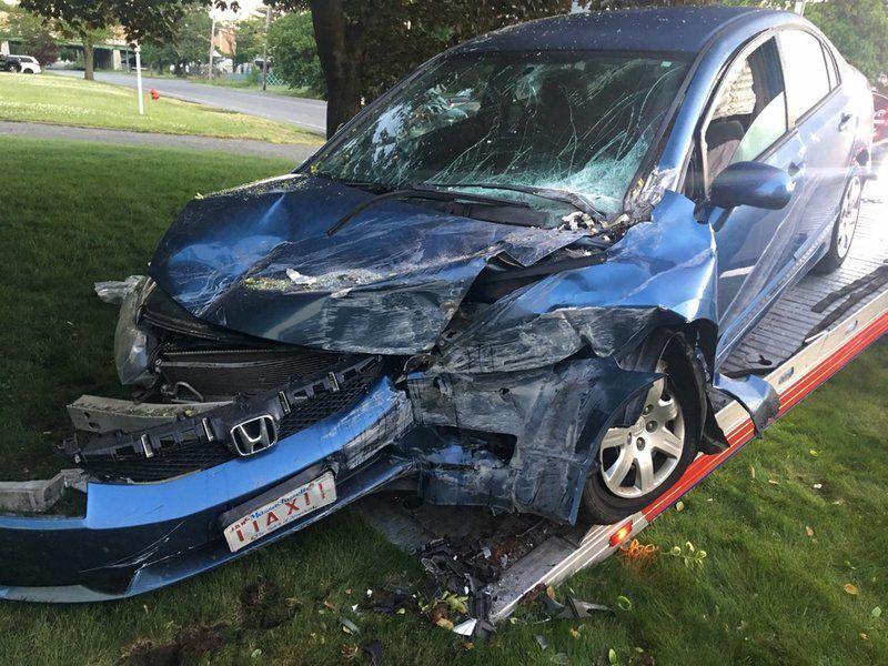Woman dies in Methuen crash