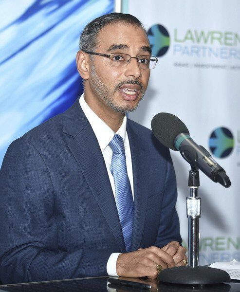 Lawrence Two of 5 candidatesturn out for mayor's forum