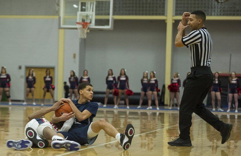 44th Commonwealth Motors Christmas Classic: Lancers hammer Central before overflow crowd