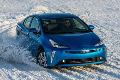 Thrifty Toyota Prius also conquers snow