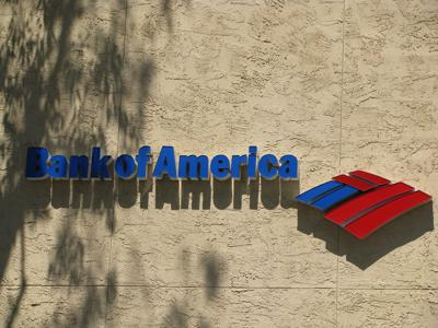 The Signal Butte financial center connects clients to all of Bank of America's financial services