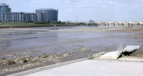 A serious fish tale as tempe town lake empties east for Tempe town lake fishing