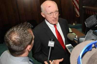 Mesa lawmaker can't break House budget stalemate