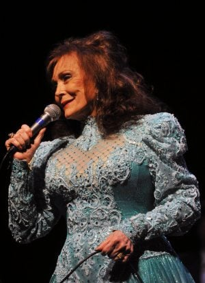 Auto Body Shops >> Country legend Loretta Lynn hits Valley | Get Out | eastvalleytribune.com