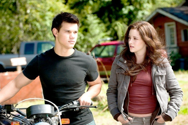 Third 'Twilight' eclipses chapters 1 and 2 | Get Out