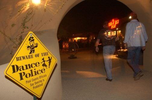 Drew Carey fights Pinal County dancing ban