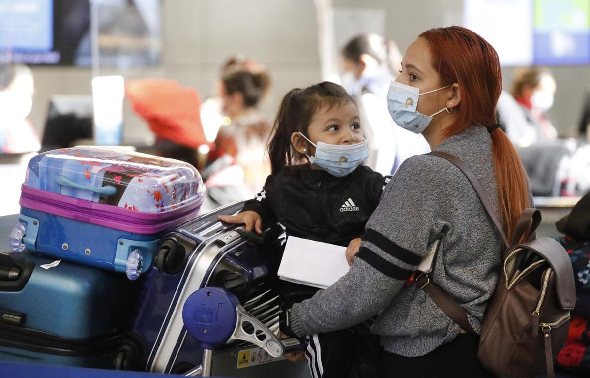 TRAVEL-CNS-AIRLINES-CLOTH-MASKS-LA