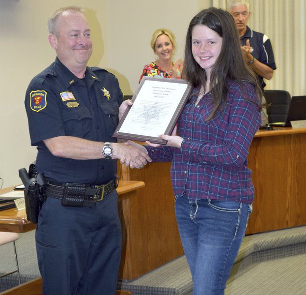 Effingham police chief awards citizen citations