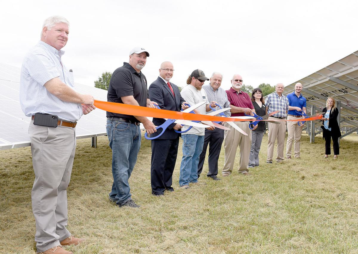 Ribbon cutting at new Altamont solar plant