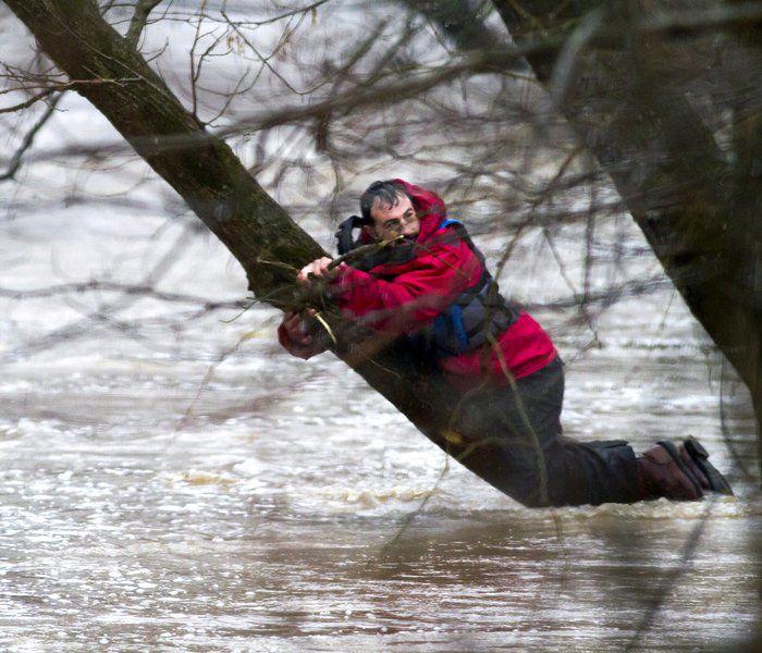 Responders rescue stranded kayaker