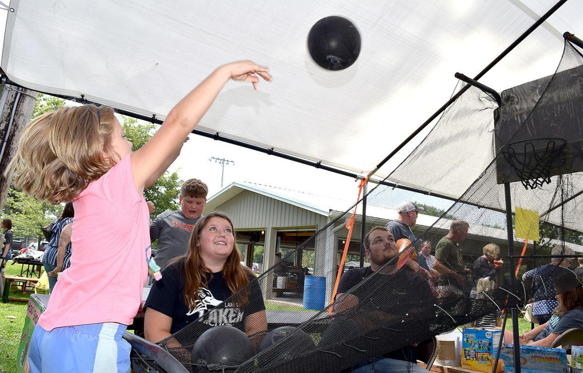 Community supports long lasting church picnic (main)