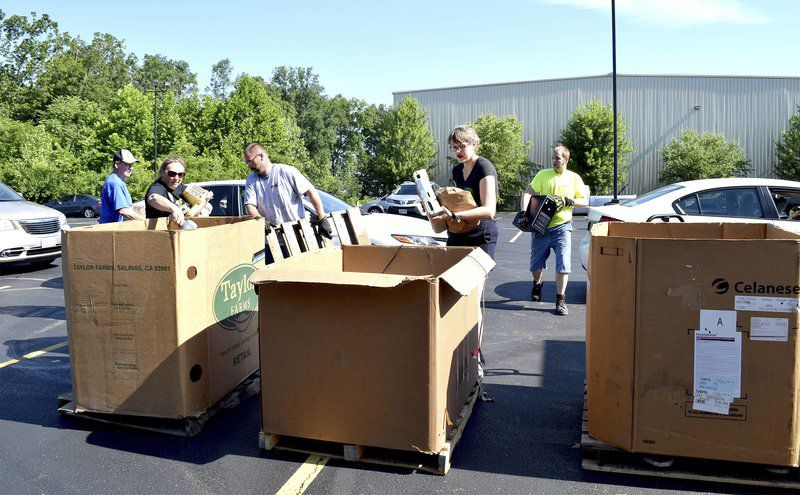 Recycling event draws long lines