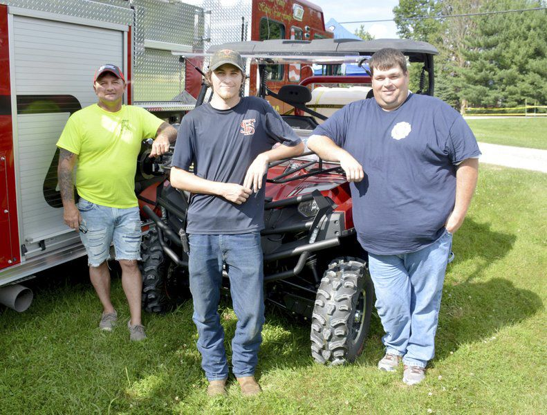 Residents support fire district at bash