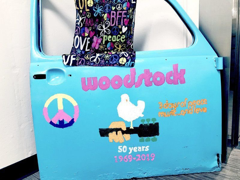 Library hosts 'Woodstock 1969' art exhibit