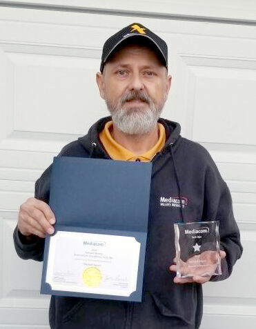 Local Mediacom employee recognized for outstanding customer service