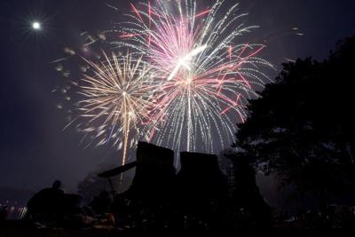 Lake Sara fireworks 'more spectacular than ever'
