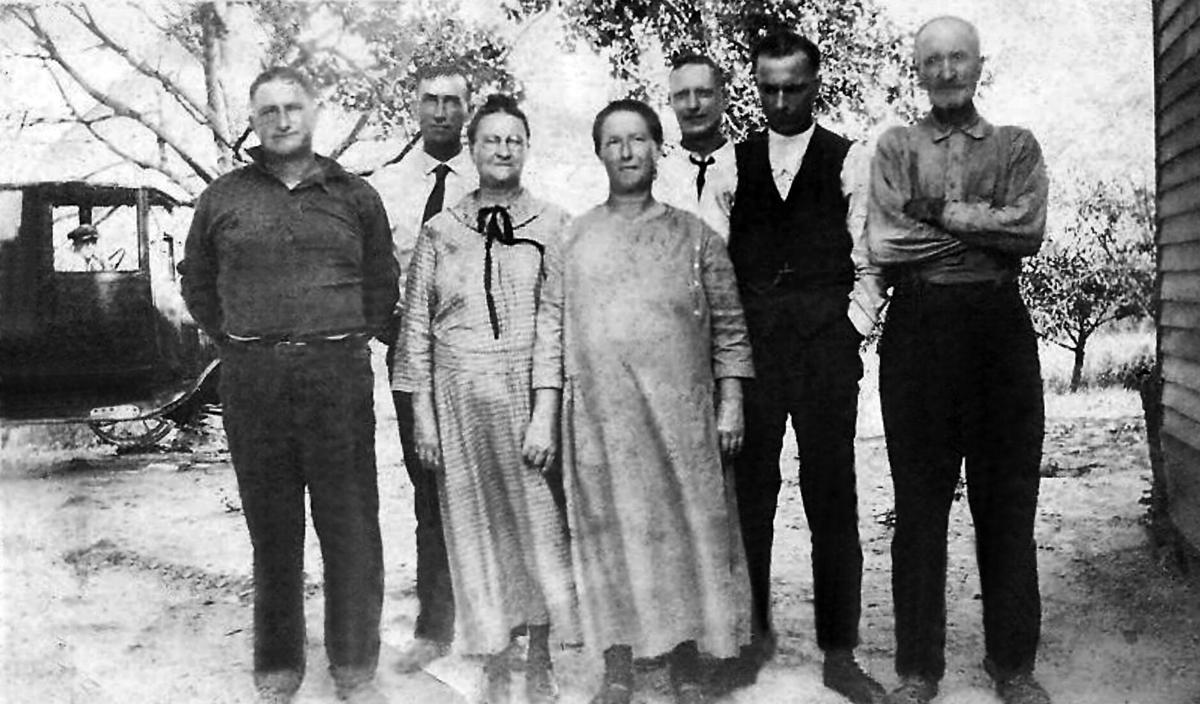Barnum, Leonard, Cora, Ora, Willis, John, and James Cooley.jpg