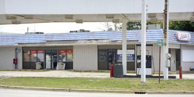 Effingham agrees to buy former gas station