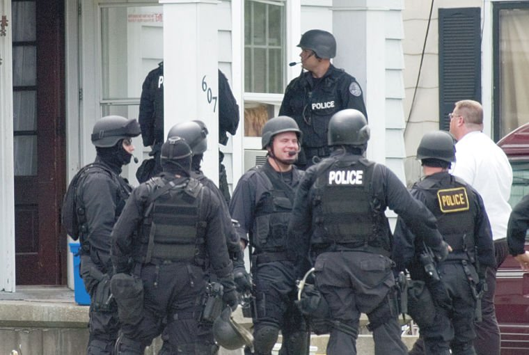 Regional SWAT team to the rescue | Local News | effinghamdailynews.com