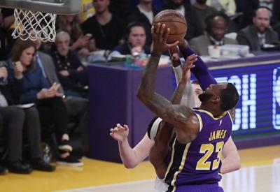 LeBron James passes Michael Jordan for 4th in career scoring