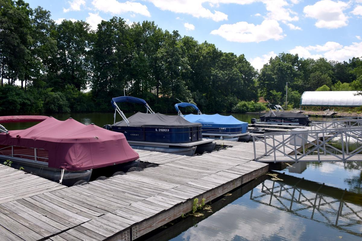 Lake Sara grapples with wake problem