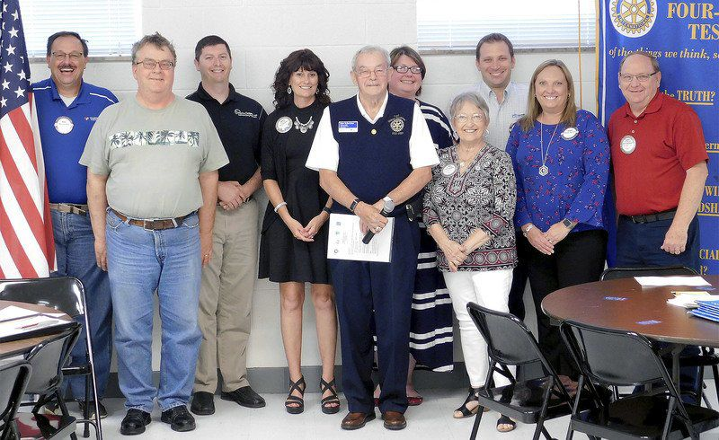 Noon Rotary installs officers
