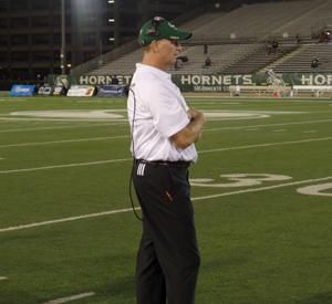 College Football Previews Hornets Hope To Improve In Sears Third