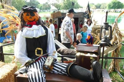 CSD hosting front yard scarecrow contest