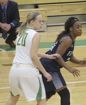 Northridge girls basketball players form close bond, get off to 9-0 start