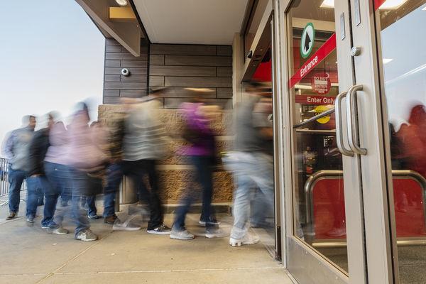 Economy, tariffs cloud retail outlook