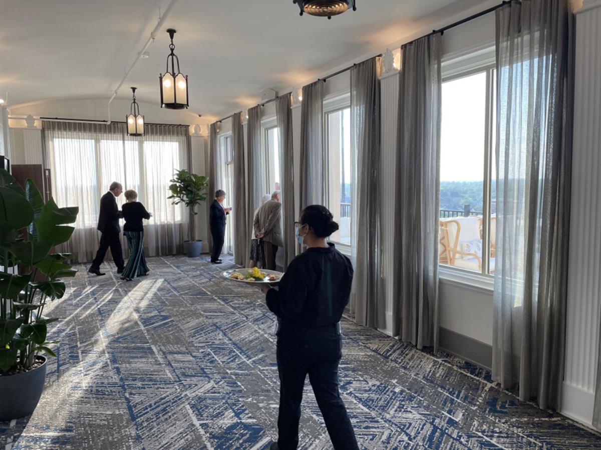 Hotel Elkhart 9th floor hallway