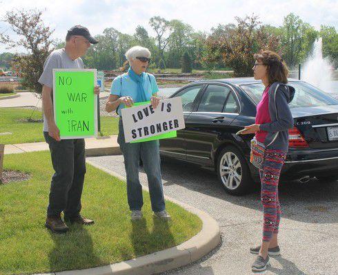 Peace vigil held during Warren visit