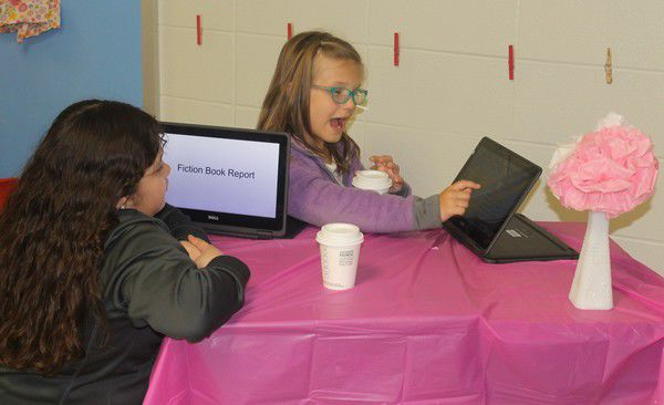 Concord East Side Elementary hosts 'Starbooks Cafe'
