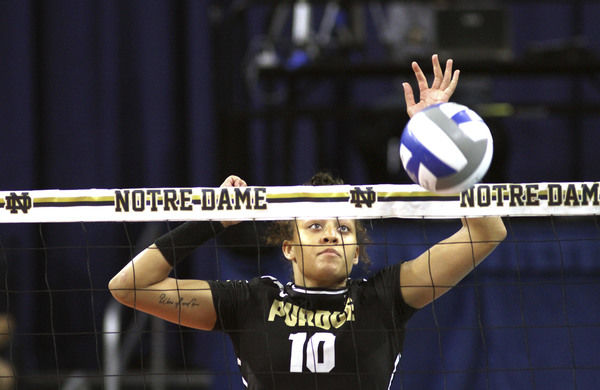 Stahl's star rising in Purdue volleyball