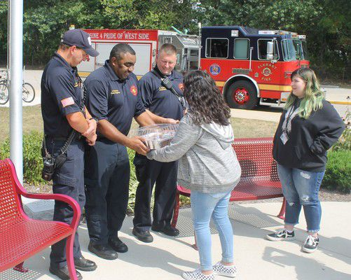 Students thank first responders in observance of 9/11