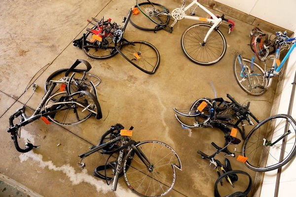 In auto industry home, Michigan tries to accommodate bikes