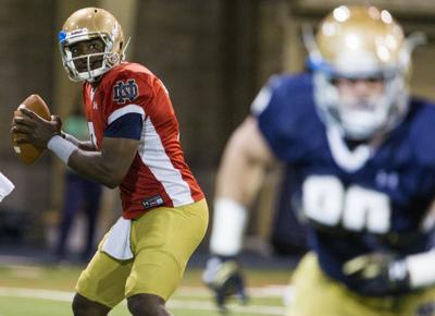 Emerging Notre Dame QB Wimbush says last year 'unacceptable'