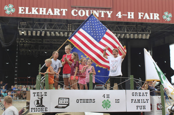 Community shows off in fair parade