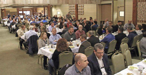 Newmar honors top suppliers at banquet