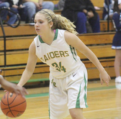 Northridge girls basketball players form close bond, get off to 9-0 start