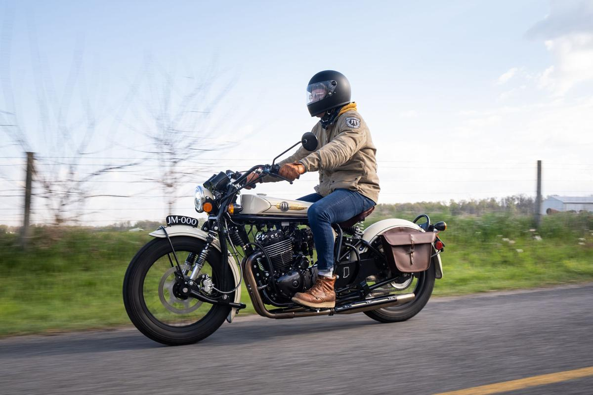 Janus Halcyon 450 on the road provided