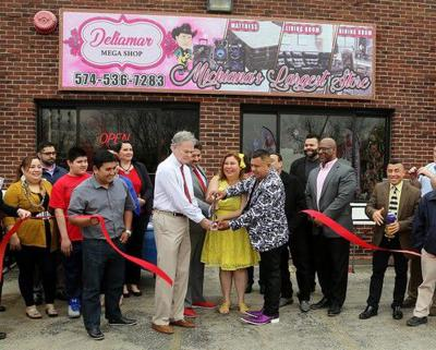 DeliaMar Mega Shop opens on Franklin