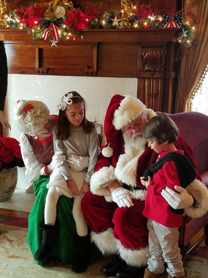 Holiday Tours and Sunday with Santa
