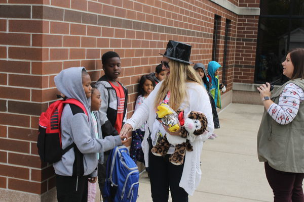 Mary Beck Elementary makes Halloween a time for bonding