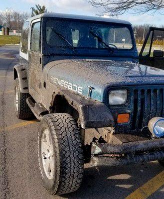 Owner of stolen Jeep hunts it down