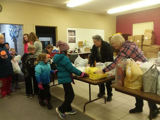 Middlebury students donate 3,600 pound of food
